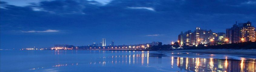 Montevideo holidays - the scenic sea front at night